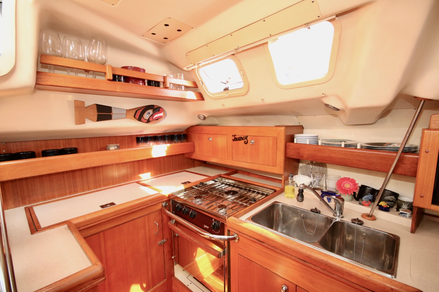 2004 Hunter Passage 420, Looking aft in galley