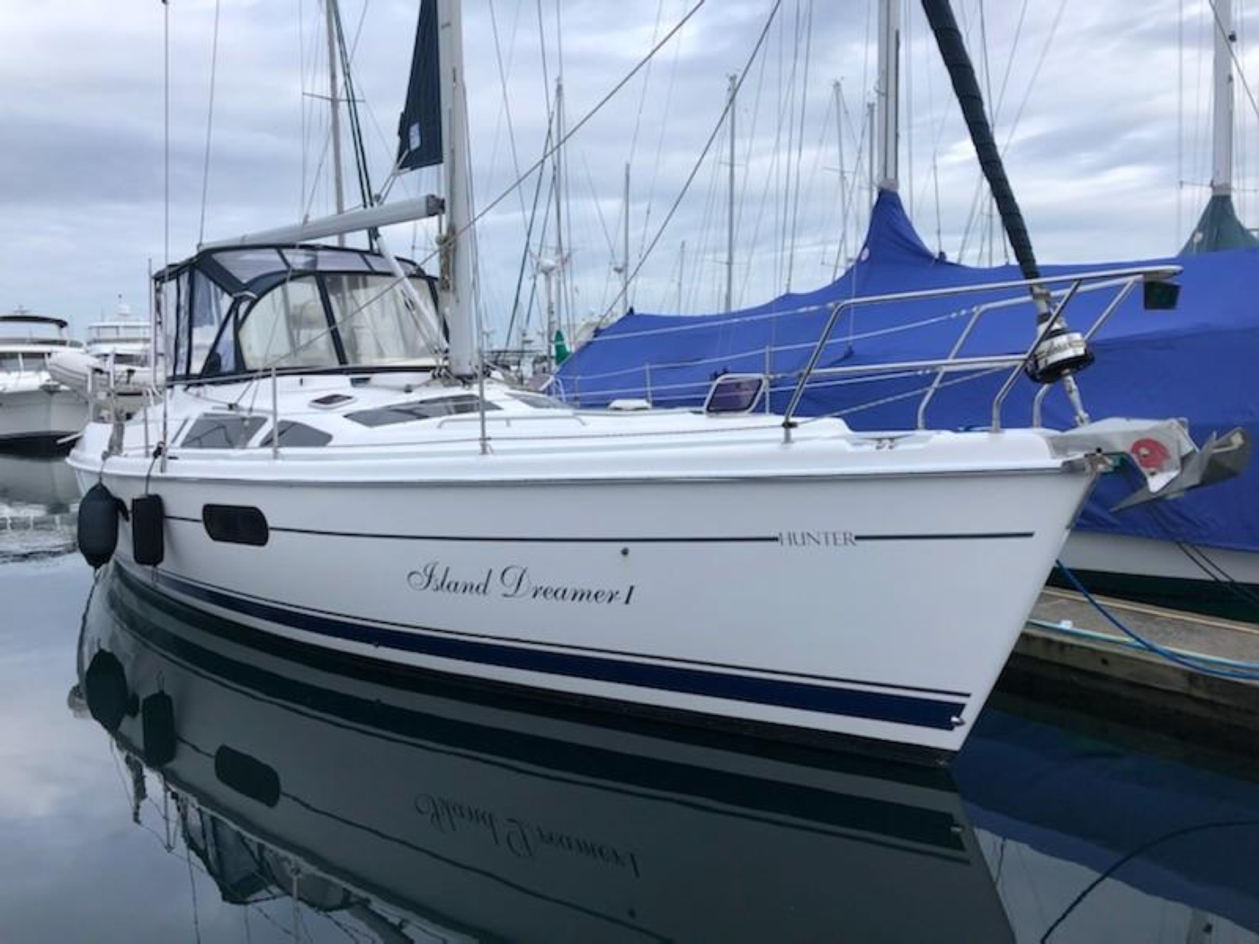 2004 Hunter Passage 420, Starboard bow at the dock