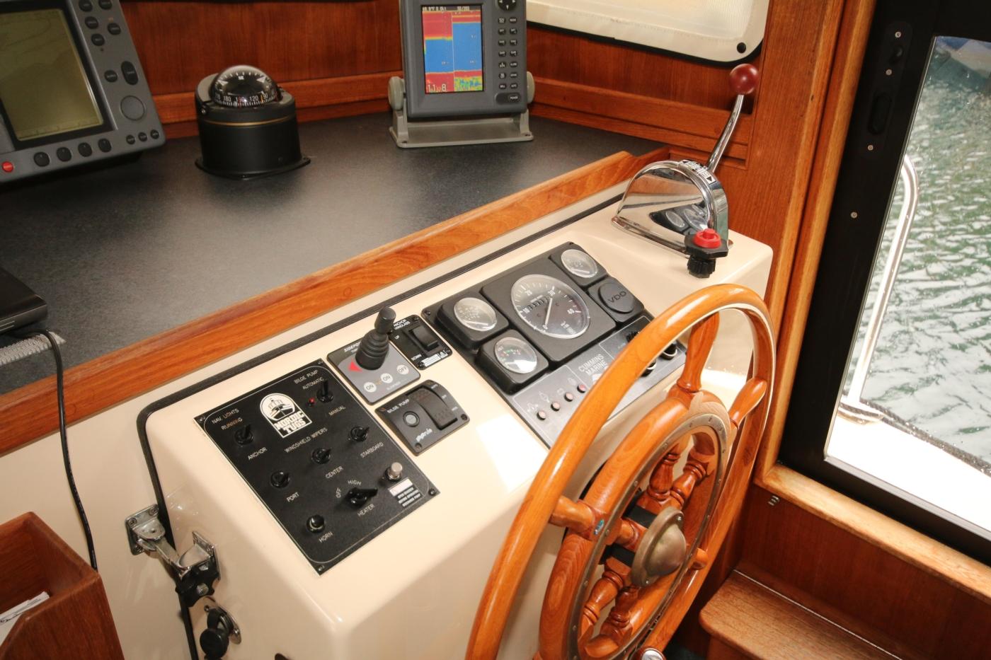 1999 Nordic Tugs 32, Full Array of Helm Controls