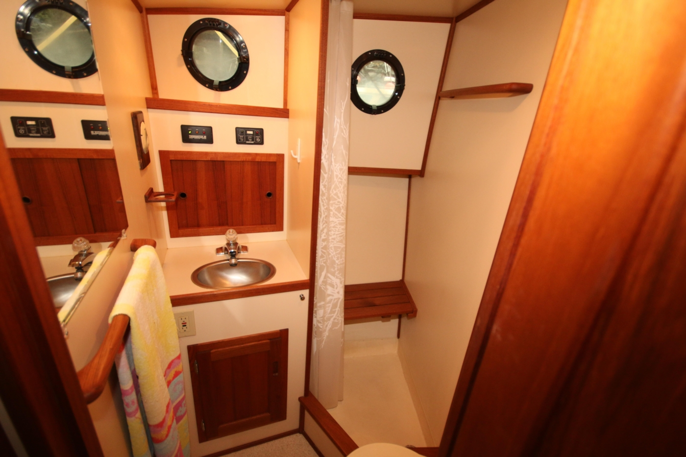 1999 Nordic Tugs 32, Large Head with Separate Shower