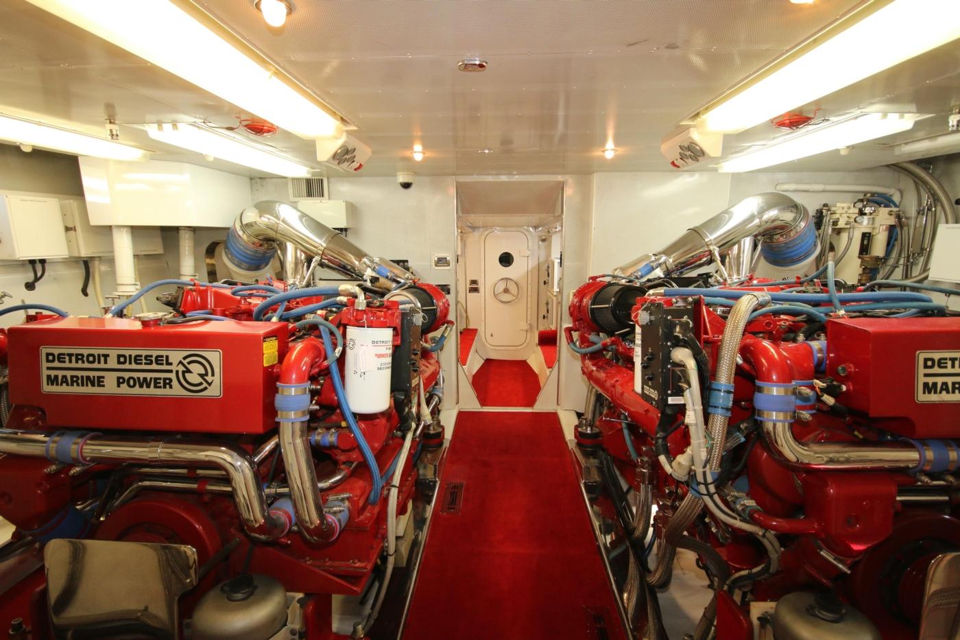 1997 Nordlund Motoryacht, Engine room