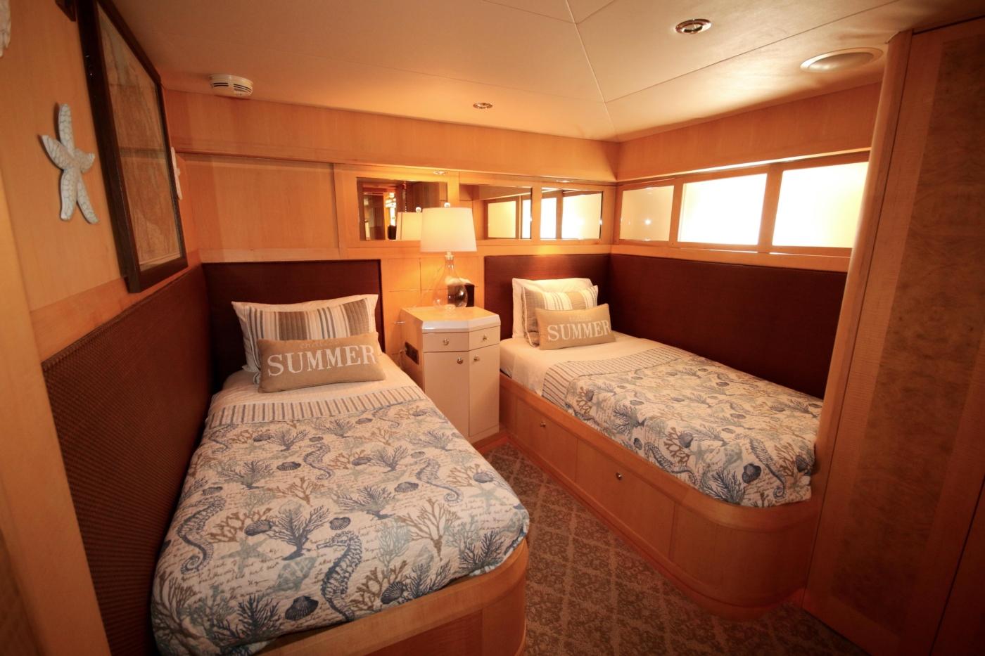 1997 Nordlund Motoryacht, Twin guest stateroom