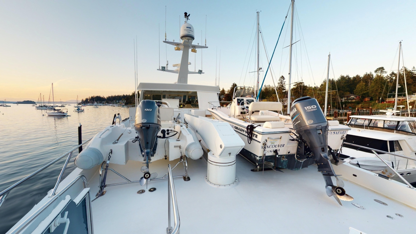 1997 Nordlund Motoryacht, Nautica tender & optional Grady White