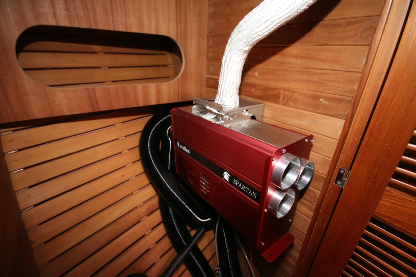 1996 Tanton 45 Offshore, Diesel heater
