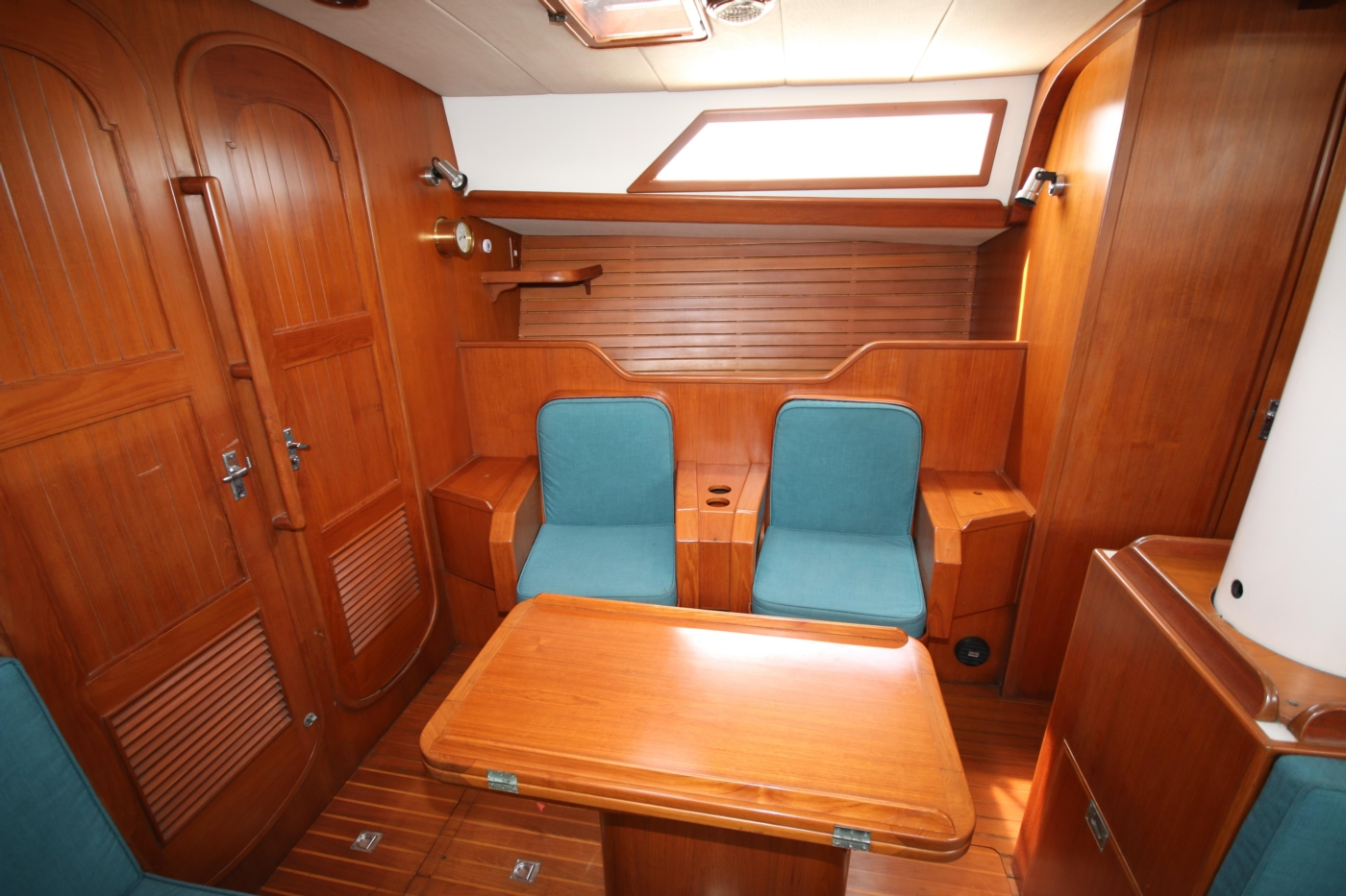 1996 Tanton 45 Offshore, Starboard chairs
