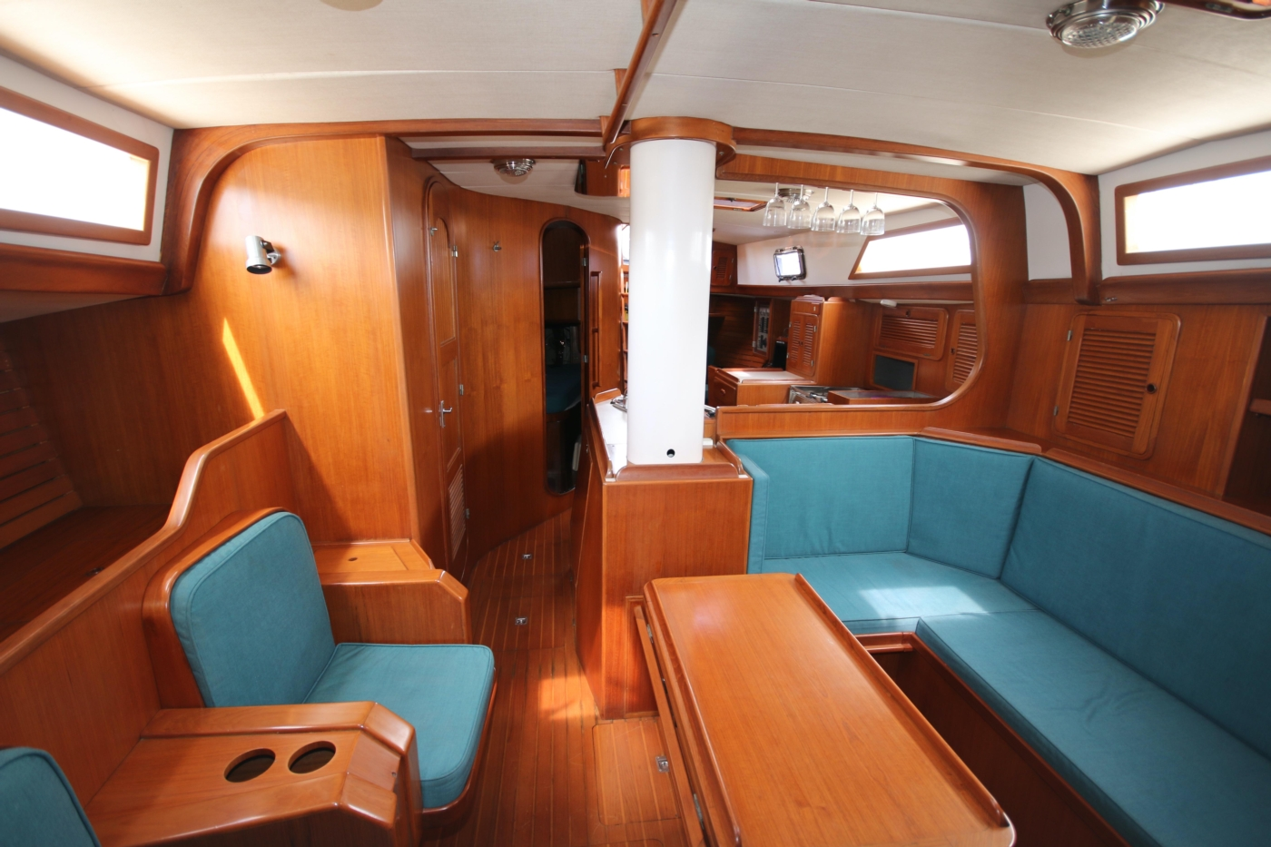 1996 Tanton 45 Offshore, Salon aft view