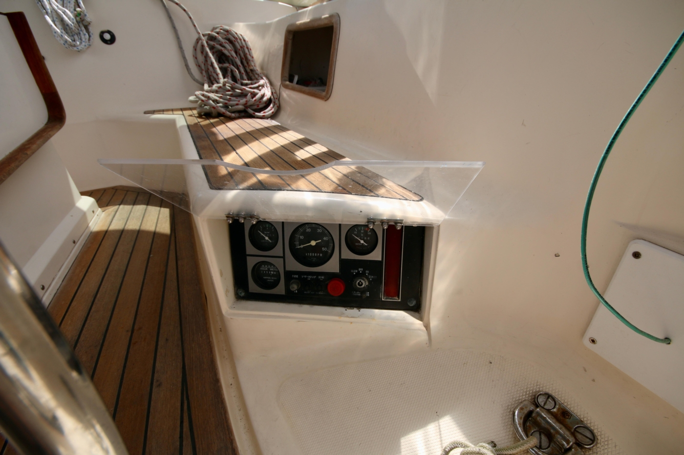 1996 Tanton 45 Offshore, Engine controls