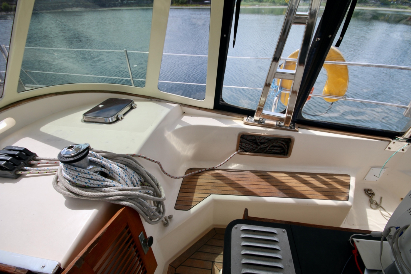 1996 Tanton 45 Offshore, Electric Winch