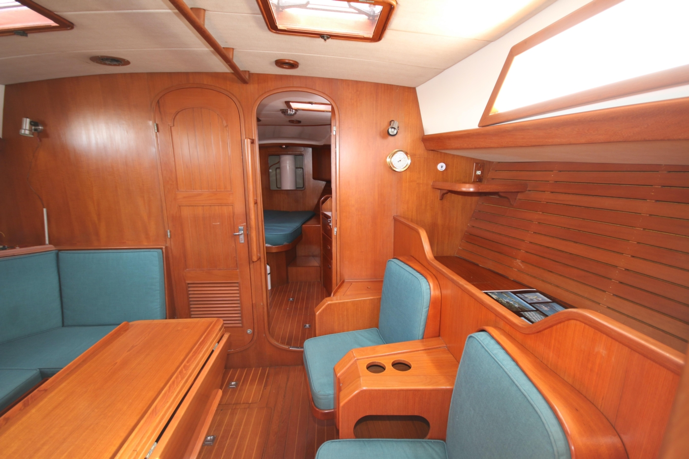 1996 Tanton 45 Offshore, Salon forward view