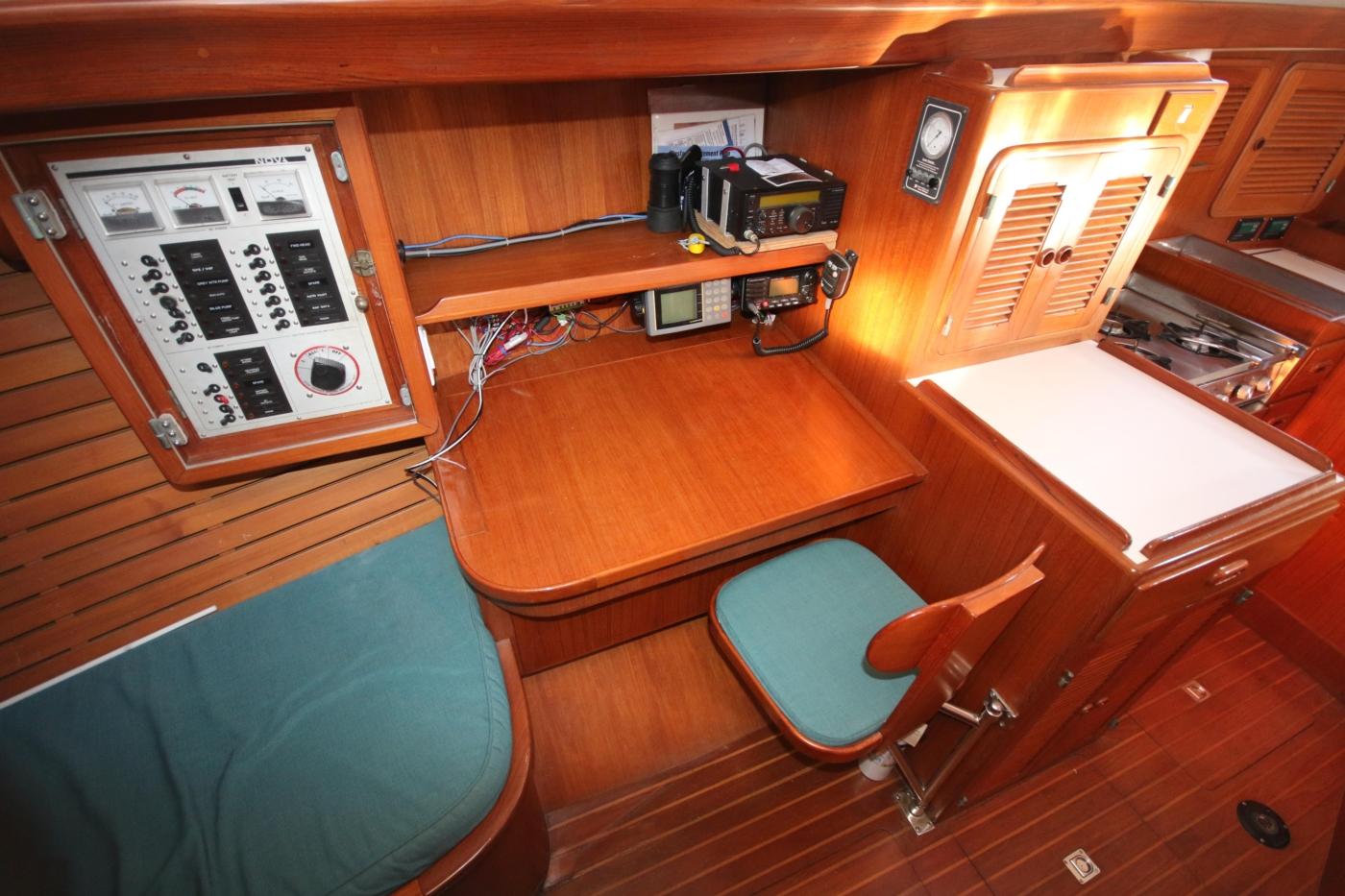 1996 Tanton 45 Offshore, Nav Table
