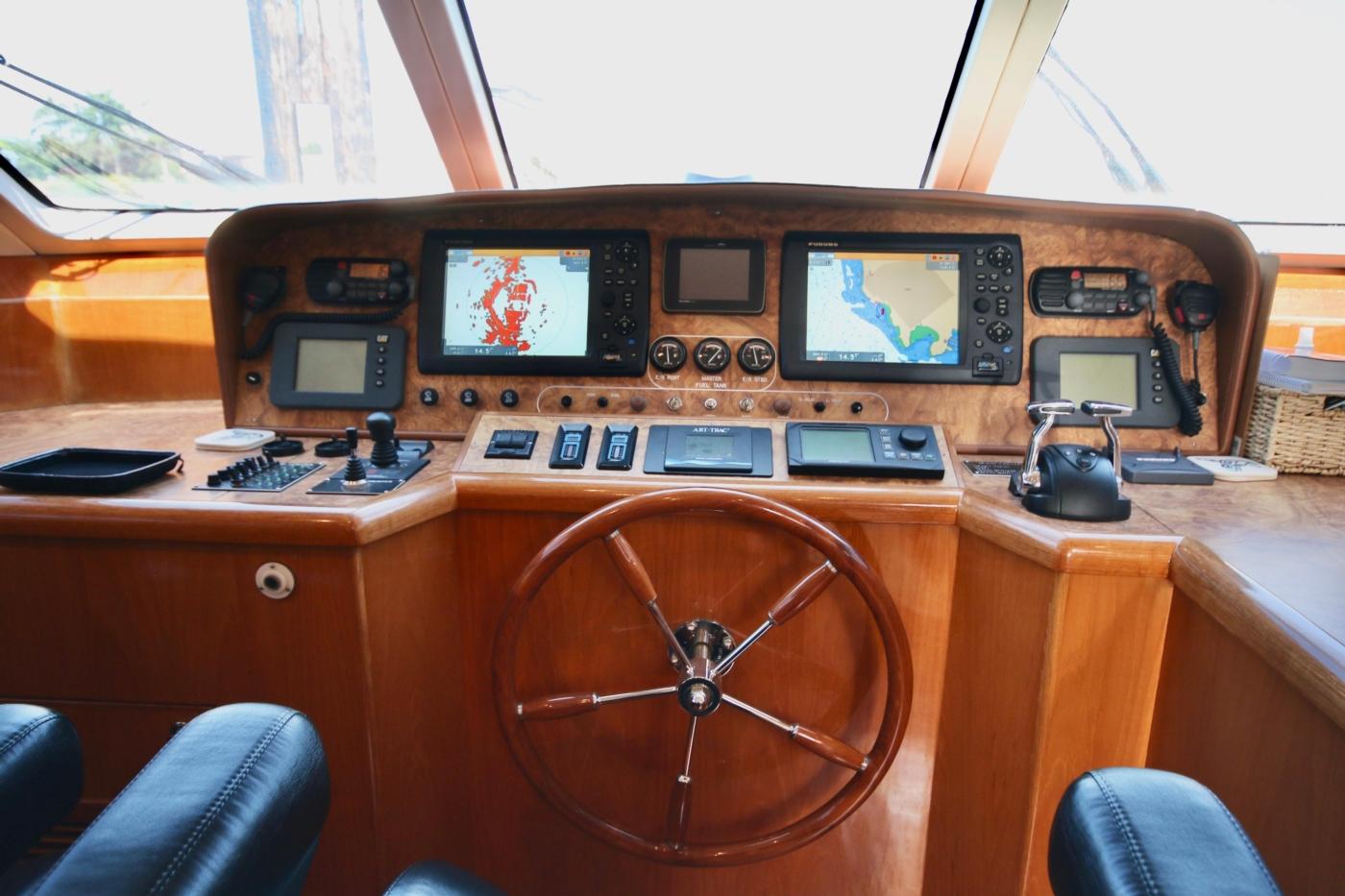 2002 Monte Fino 68, Pilothouse Helm