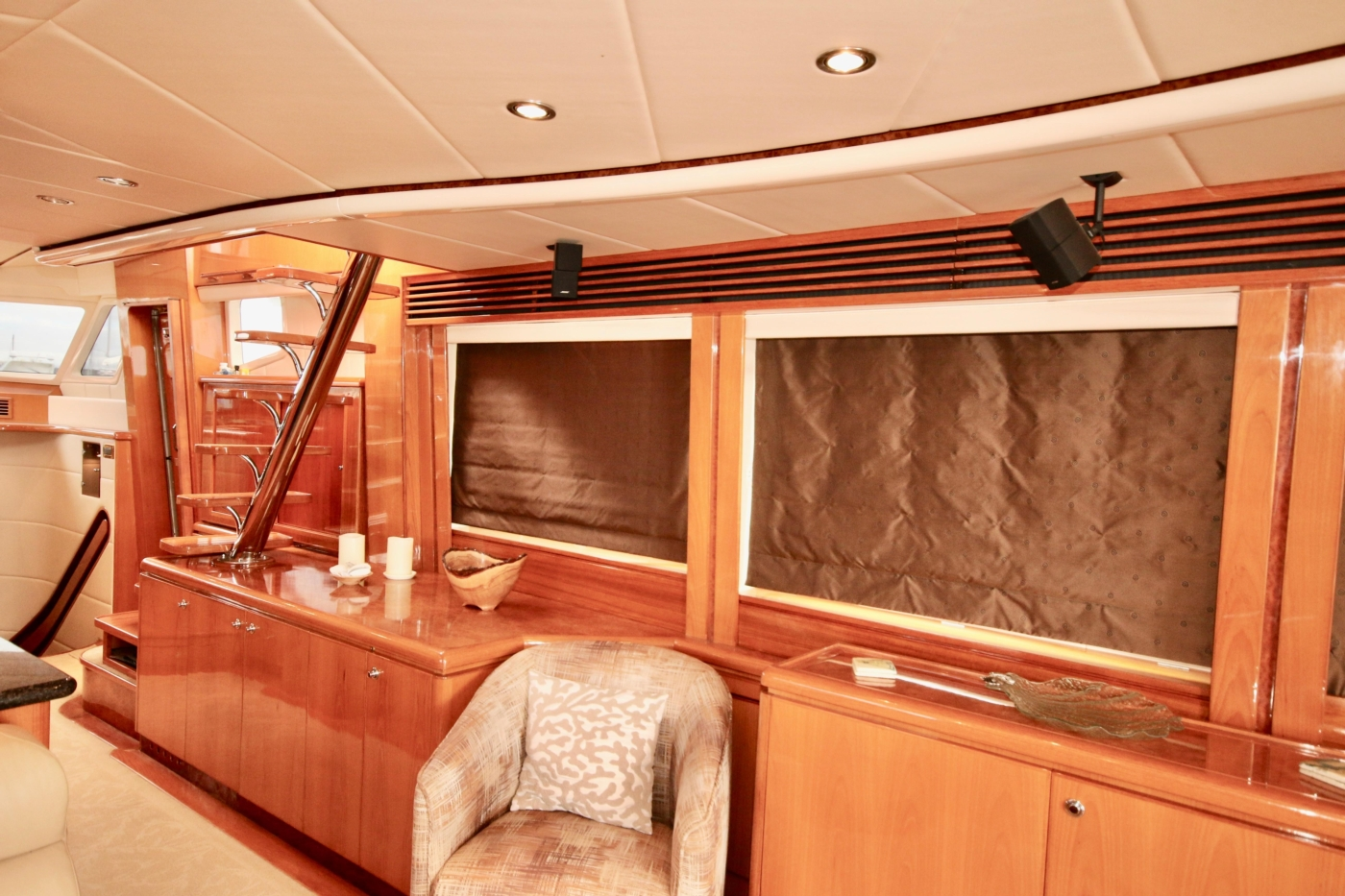 2002 Monte Fino 68, Starboard Cabinetry (Curtains Down)