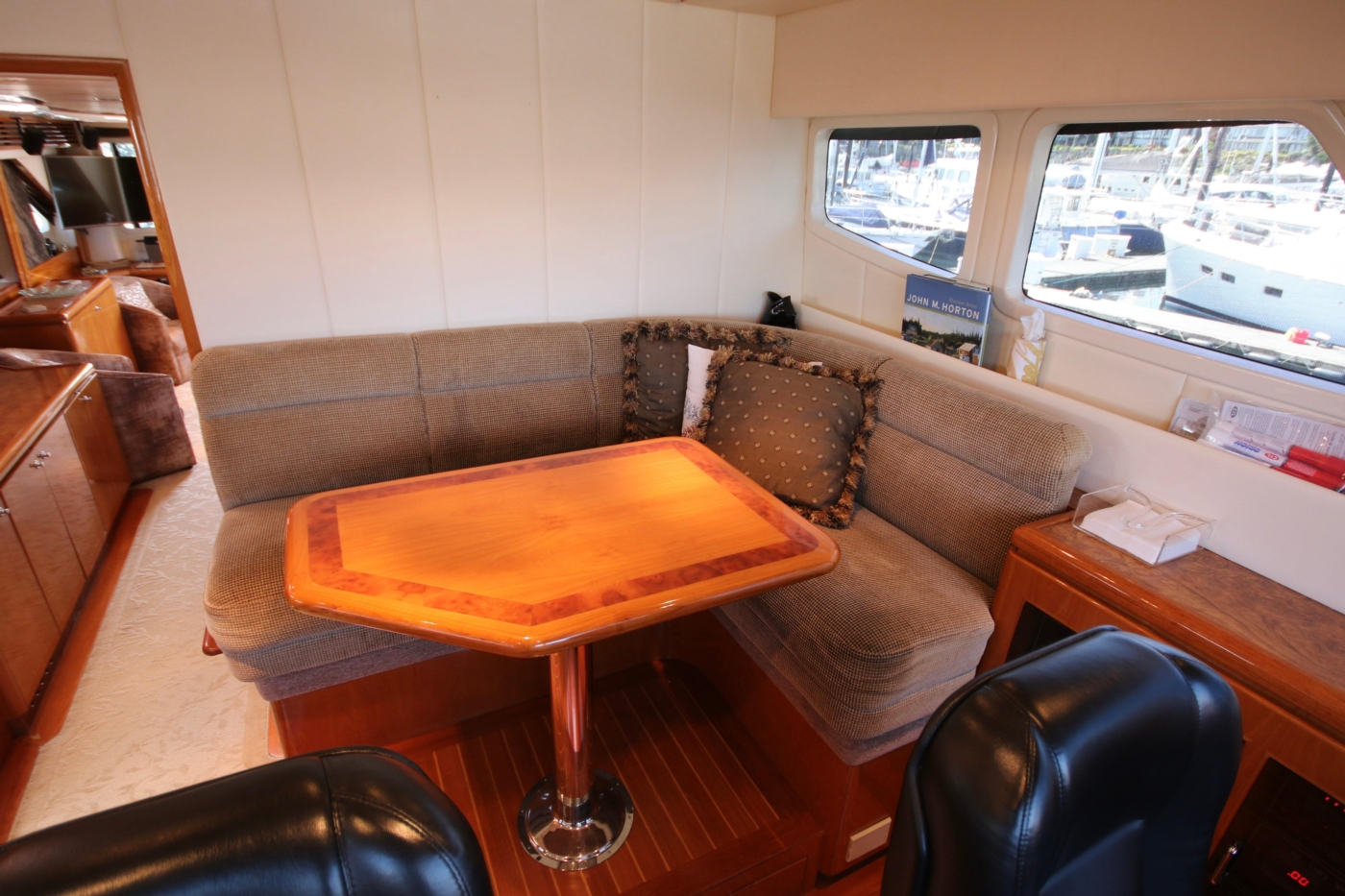 2002 Monte Fino 68, Pilothouse Settee and Table