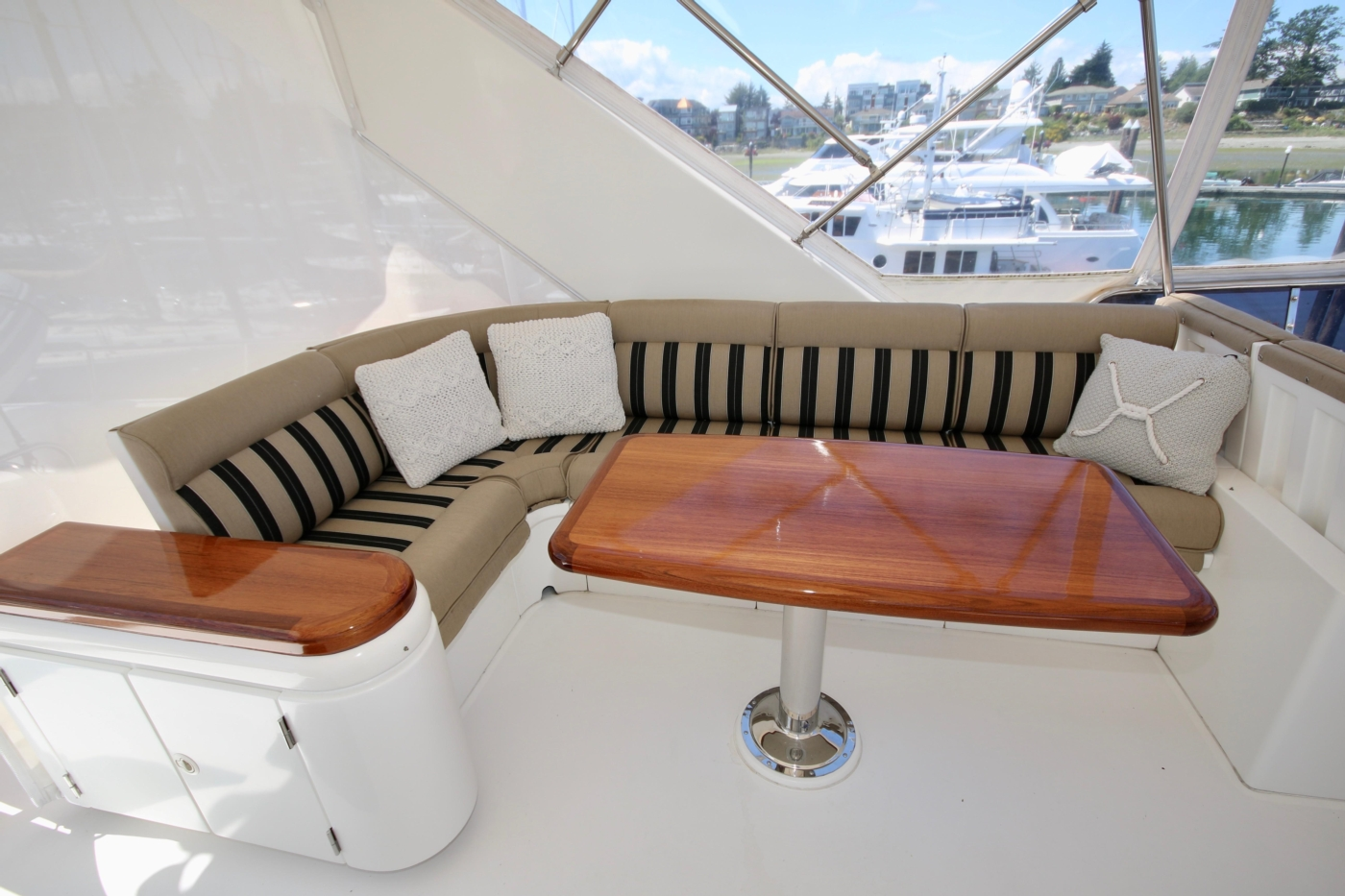 2002 Monte Fino 68, Flybridge Settee and Dining Table