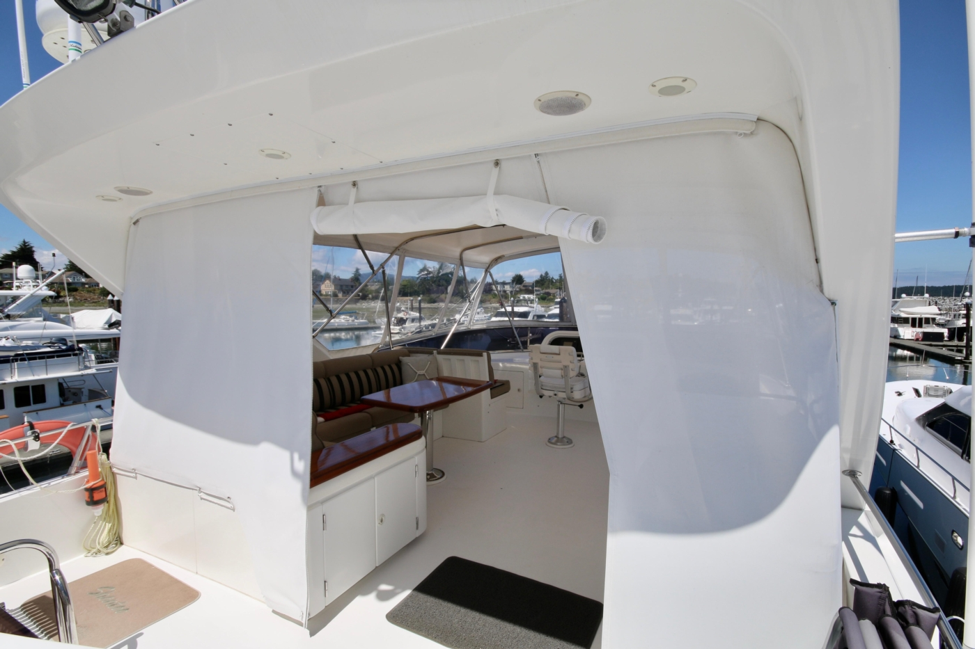 2002 Monte Fino 68, Aft Entrance to F/B from Boat Deck
