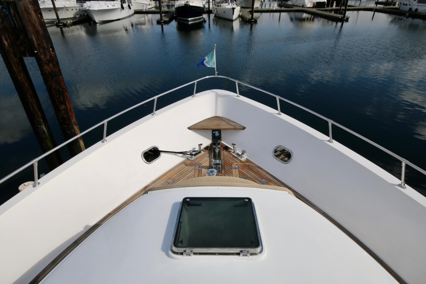 2002 Monte Fino 68, Looking down to the Foredeck