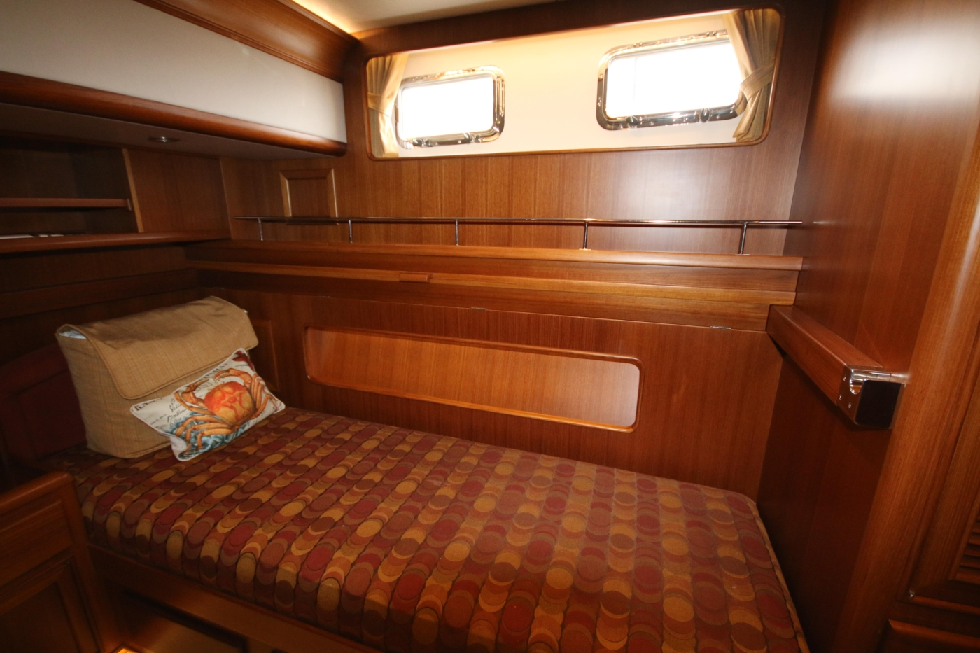 2015 Fleming 58 Pilothouse, Pull-out berth away