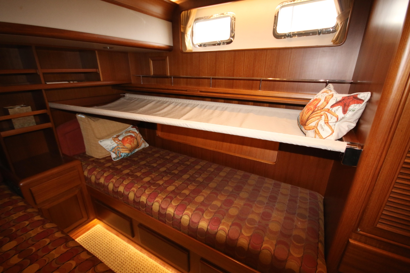 2015 Fleming 58 Pilothouse, Pull-out berth