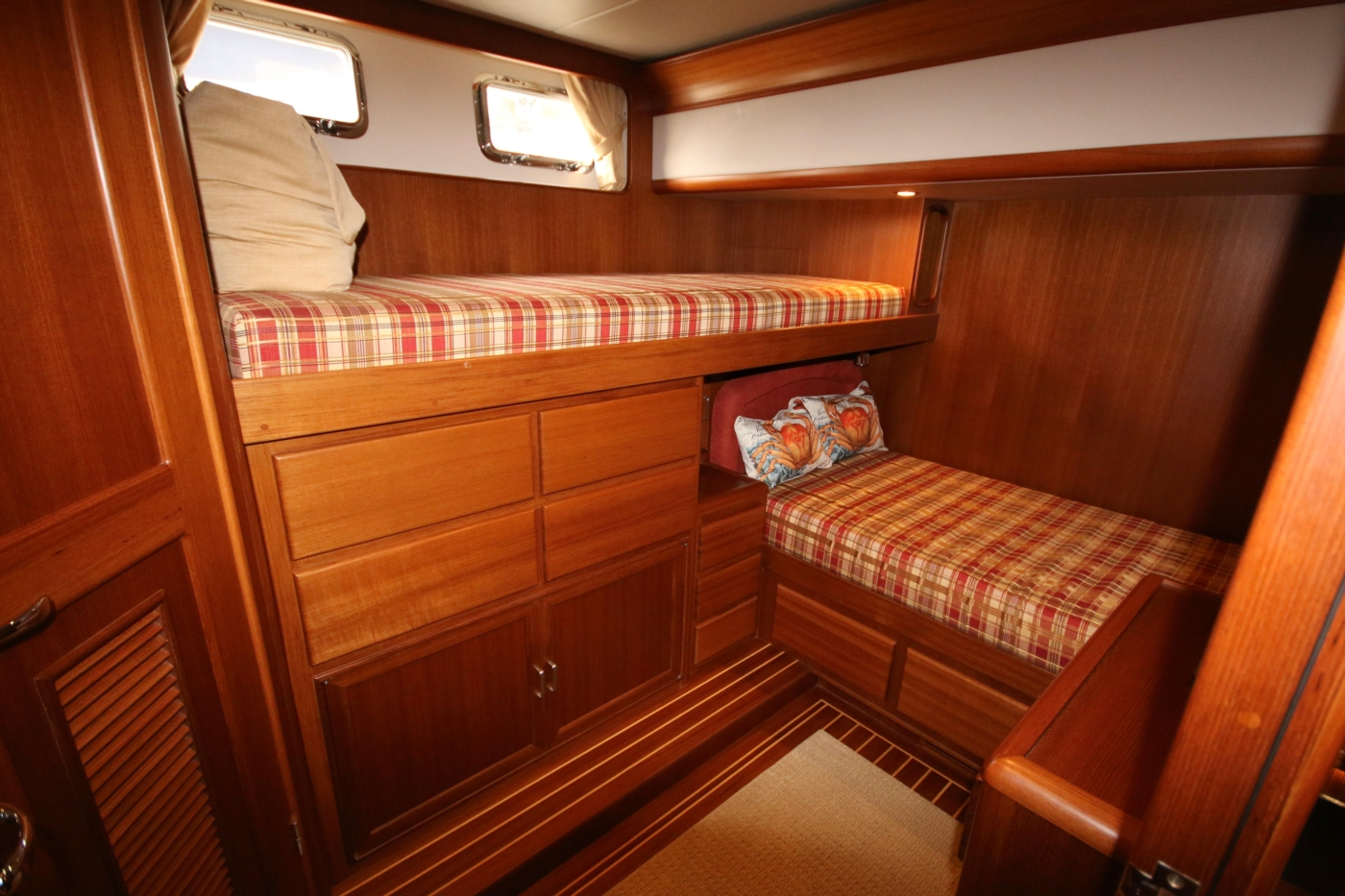 2015 Fleming 58 Pilothouse, Starboard cabin