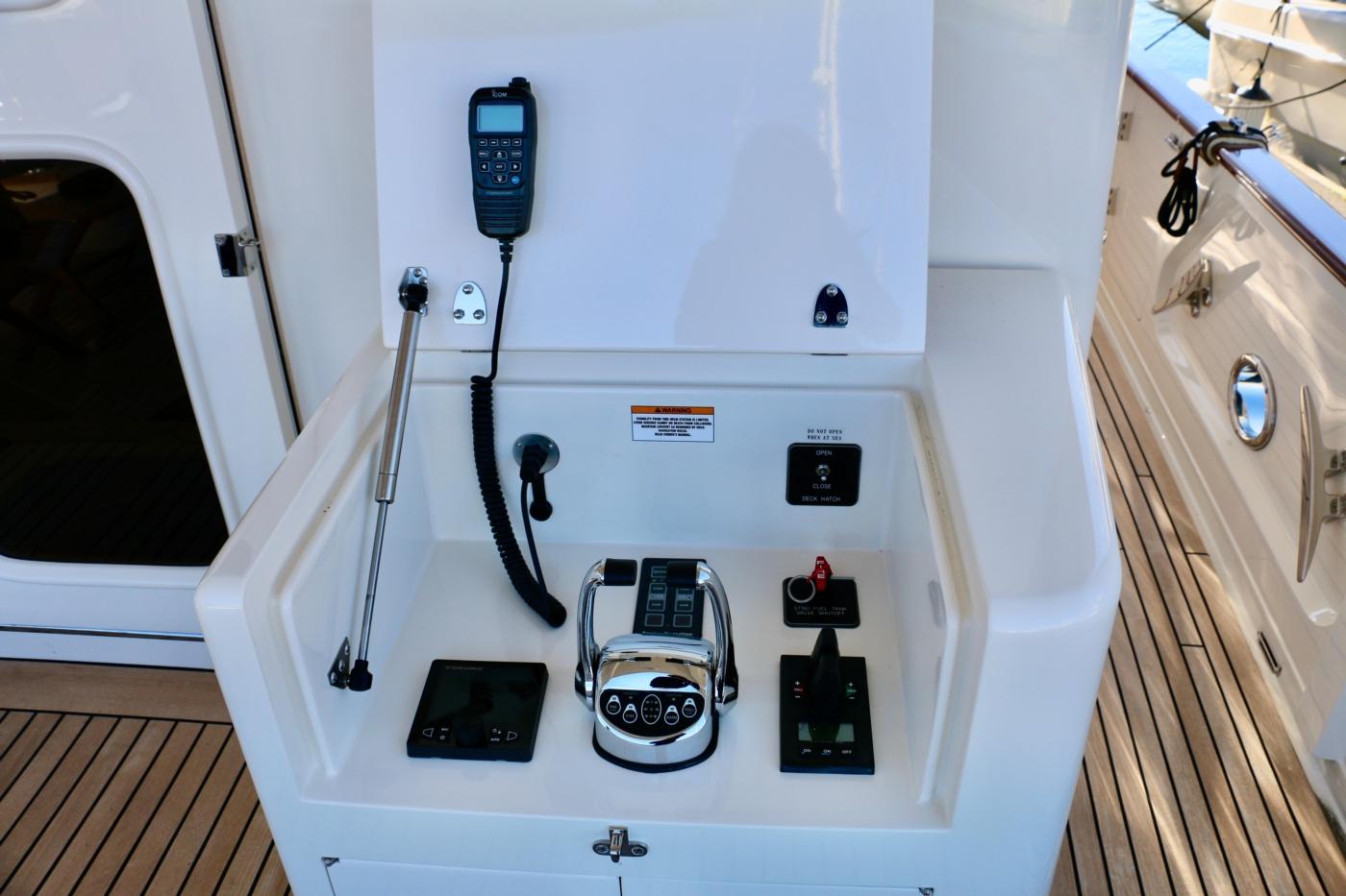 2015 Fleming 58 Pilothouse, Cockpit docking controls