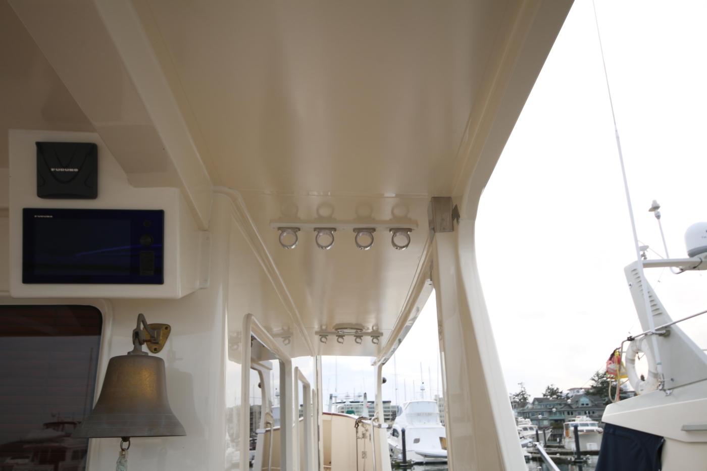 2015 Fleming 58 Pilothouse, Fishing rod holders