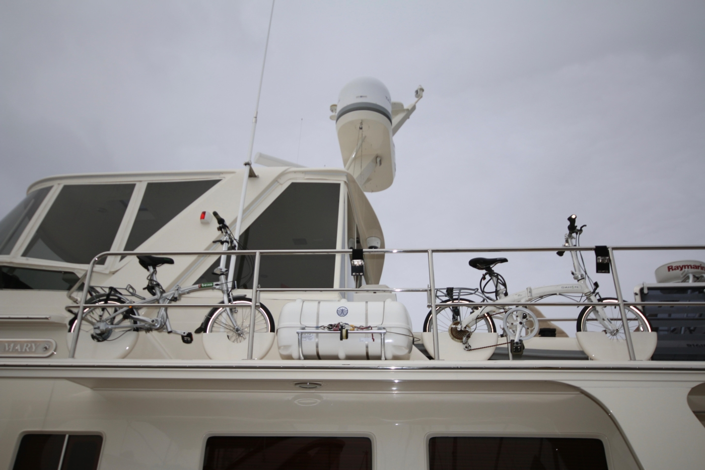 2015 Fleming 58 Pilothouse, Bikes