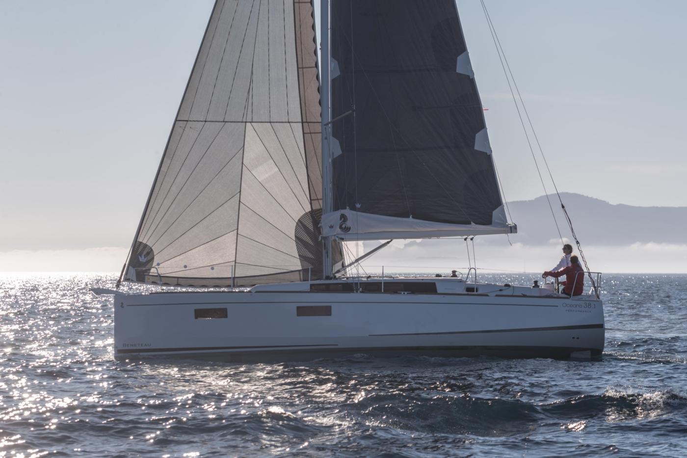 2022 Beneteau Oceanis 38.1,
