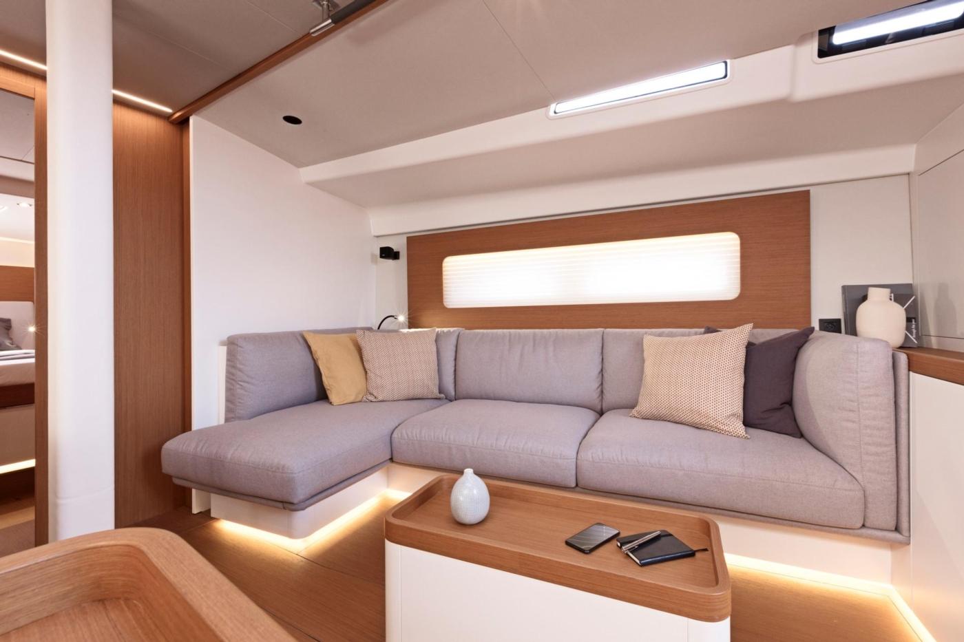 2021 Beneteau First Yacht 53,