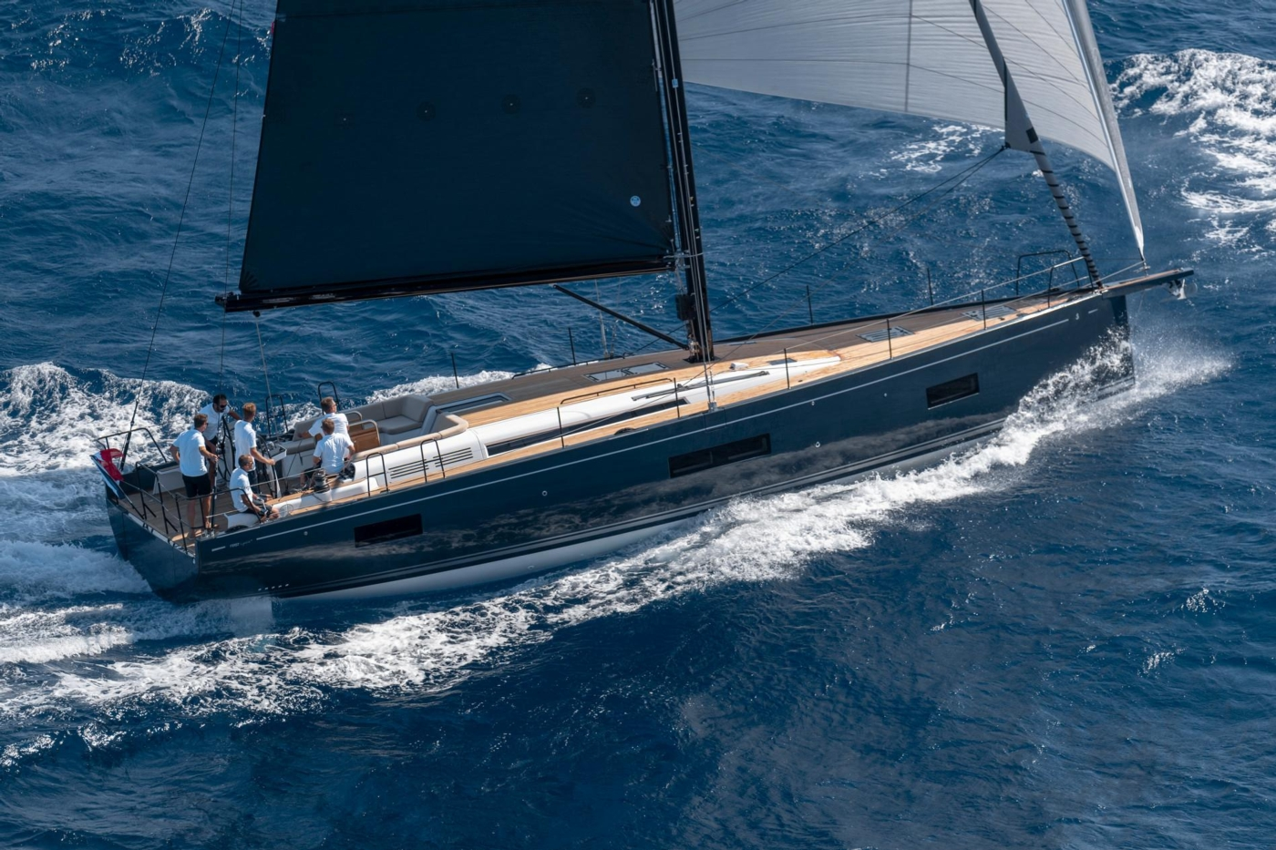 2022 Beneteau First Yacht 53,