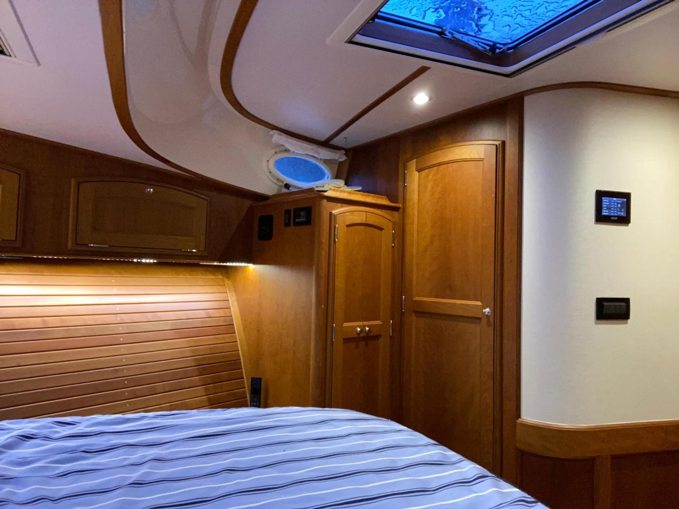 2018 Hinckley Talaria 48 MKII, Master cabin starboard