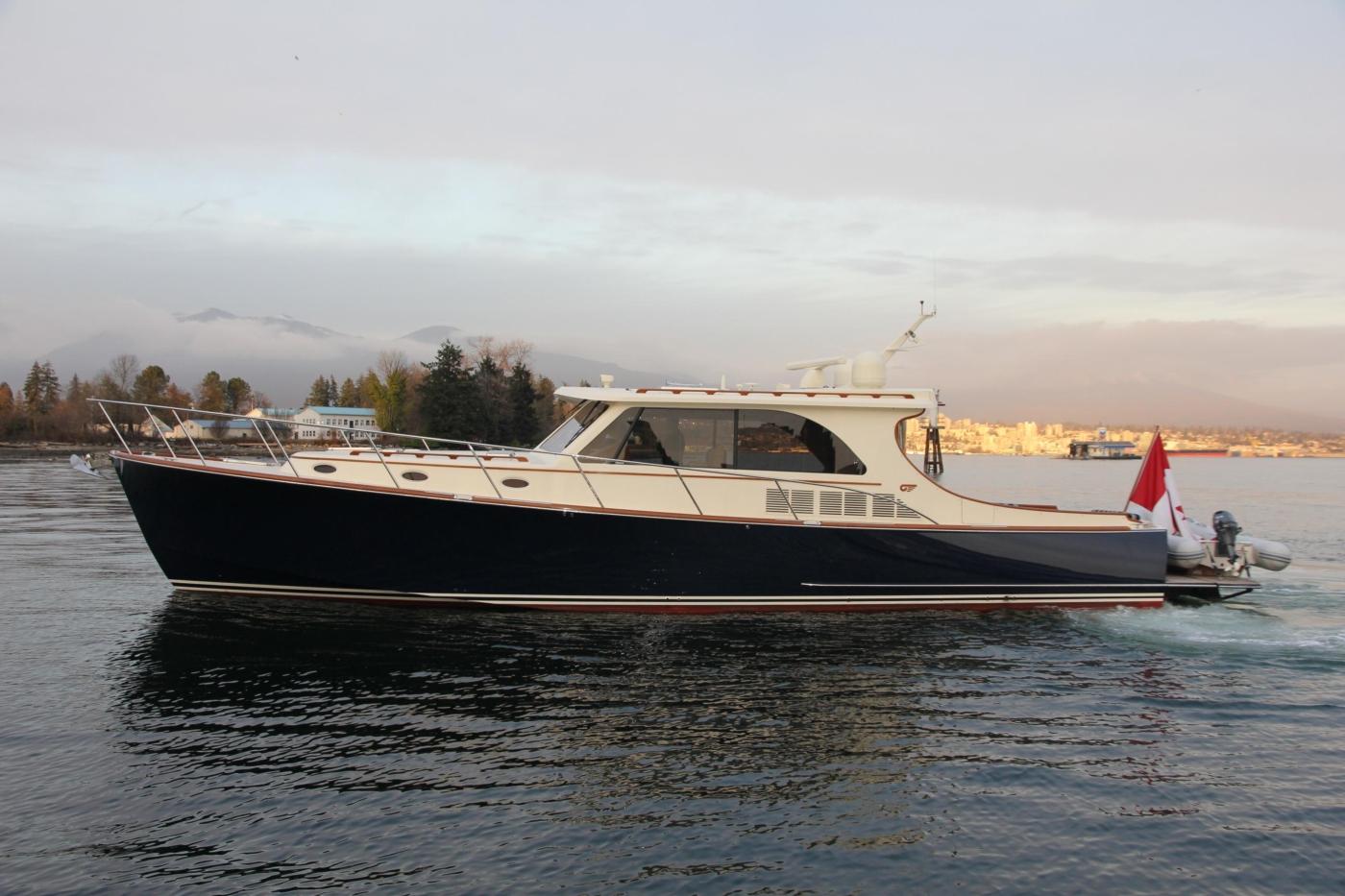2018 Hinckley Talaria 48 MKII, Port profile