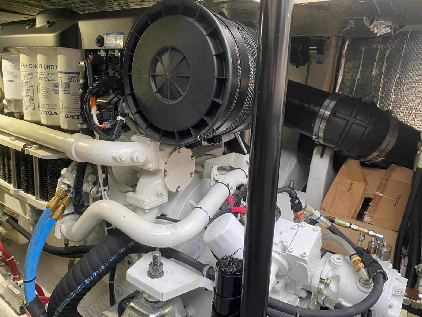 2018 Hinckley Talaria 48 MKII, Machinery space detail 1