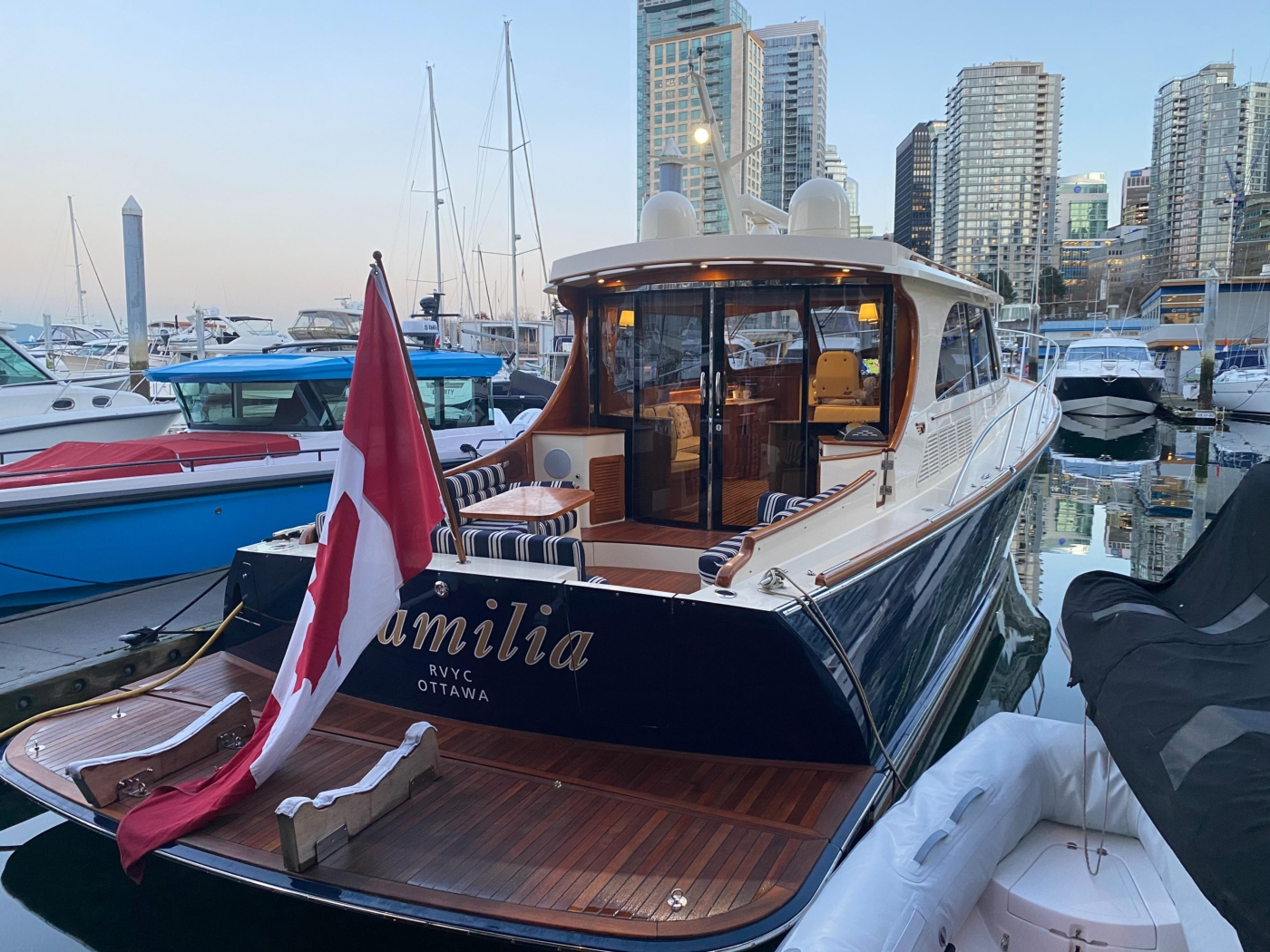 2018 Hinckley Talaria 48 MKII, At dock starboard