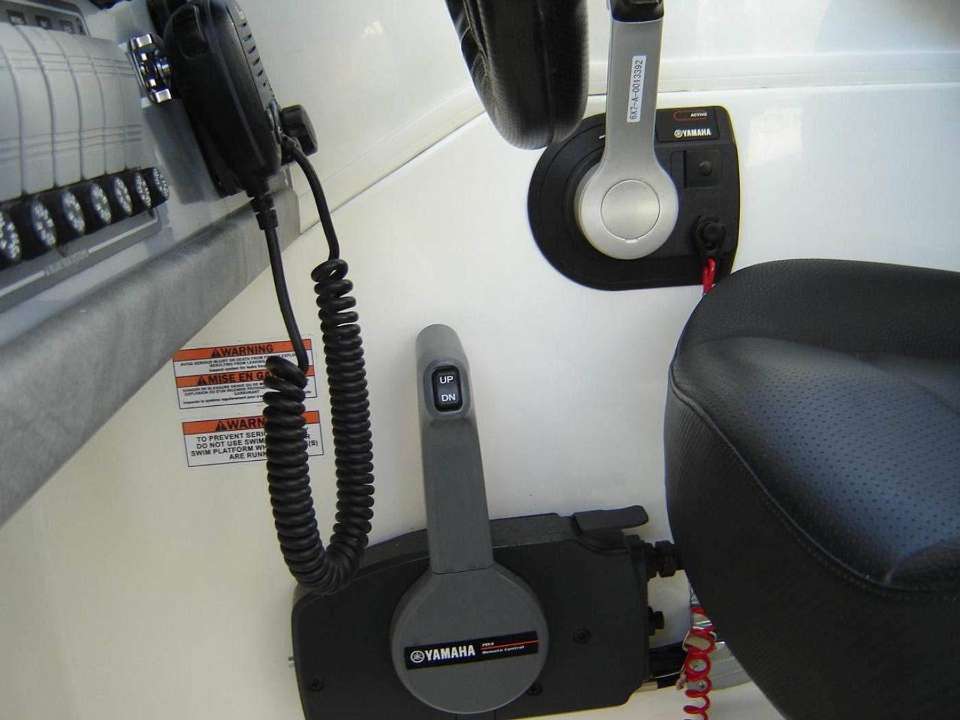 2019 Monaro 235 Sport, Controls for Main & Kicker at Helm