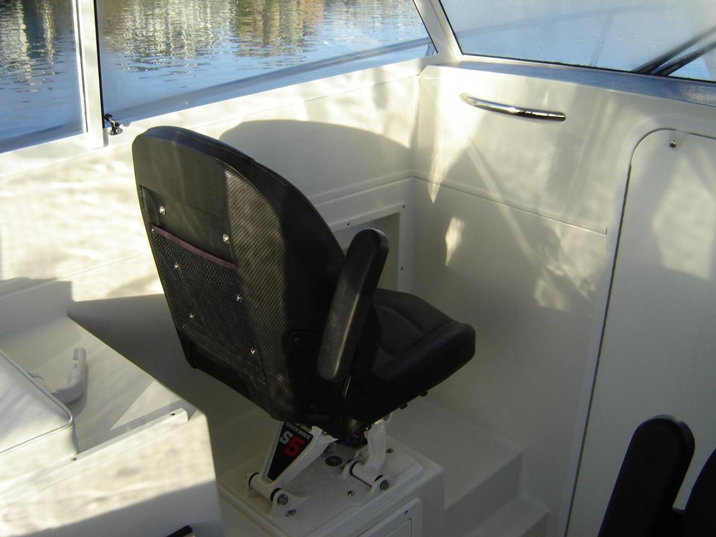 2019 Monaro 235 Sport, Passenger Seat to Port