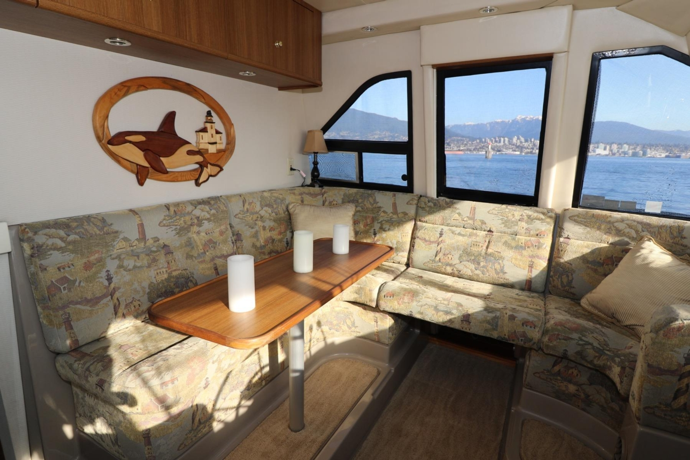 1999 Bayliner 5788 Pilot House Motoryacht, Pilothouse Seating