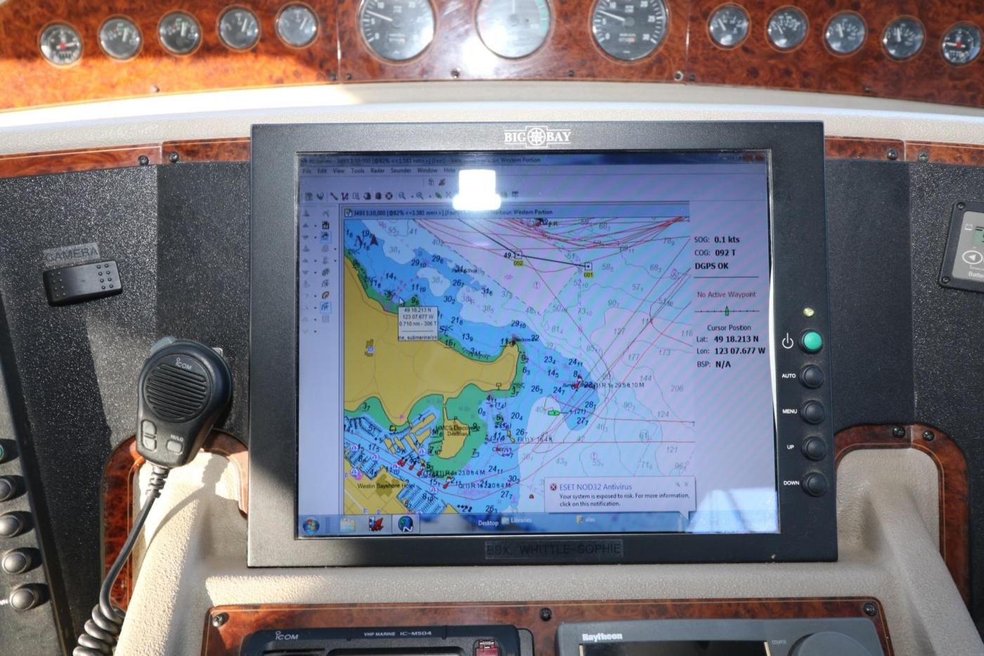 1999 Bayliner 5788 Pilot House Motoryacht, Nobeltec Navigation