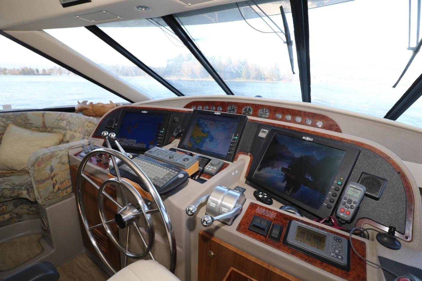 1999 Bayliner 5788 Pilot House Motoryacht, Pilothouse Helm
