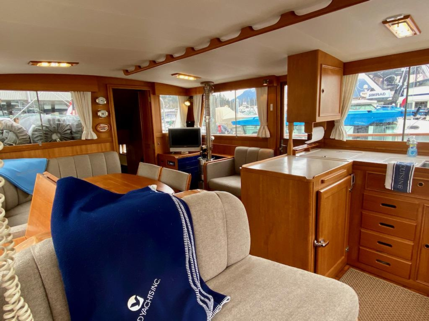 1998 Grand Banks 42 Classic, Salon from helm