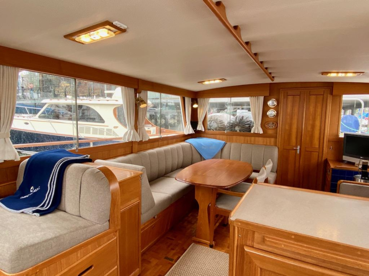 1998 Grand Banks 42 Classic, Salon from galley