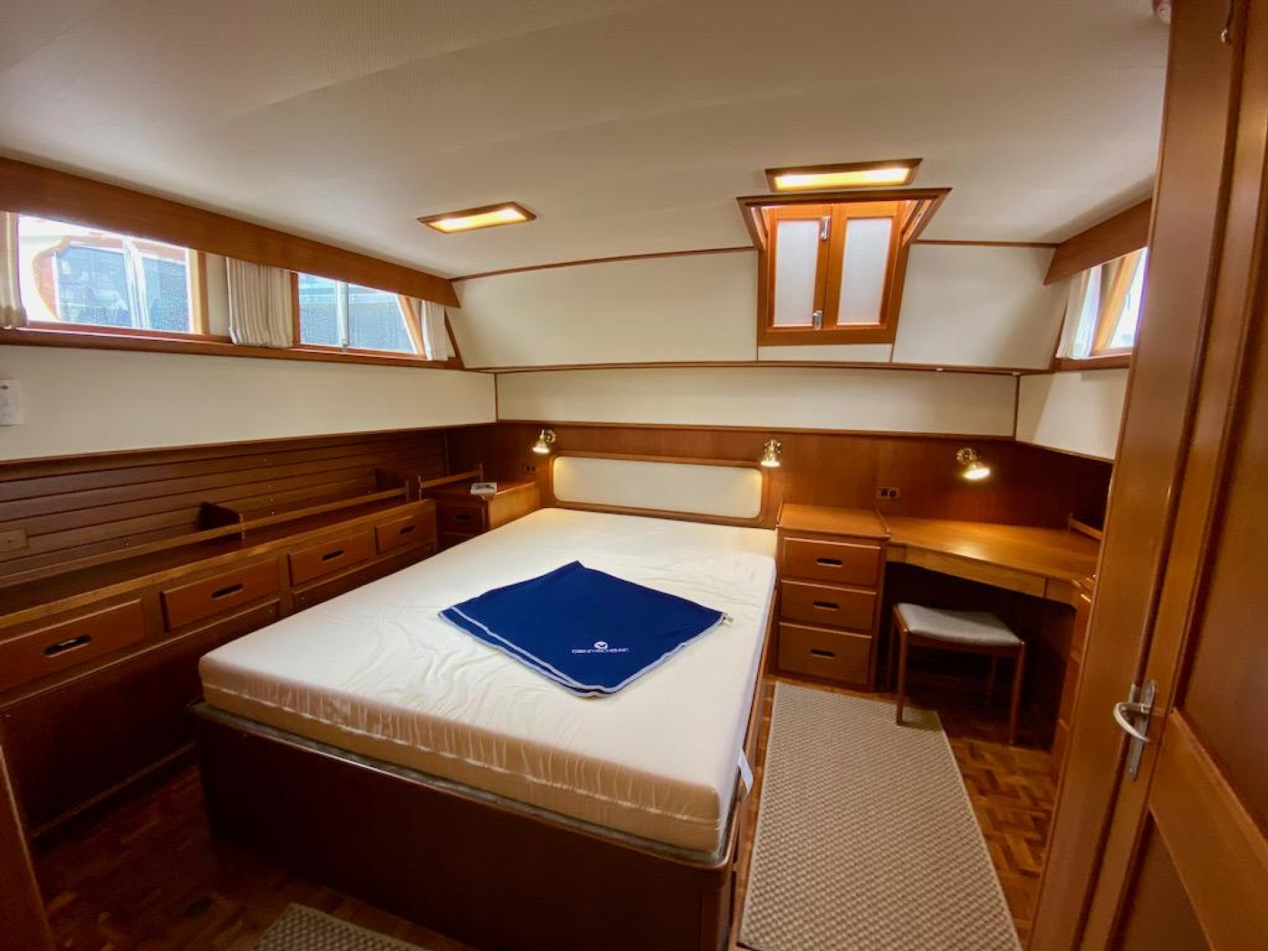 1998 Grand Banks 42 Classic, Aft cabin overview