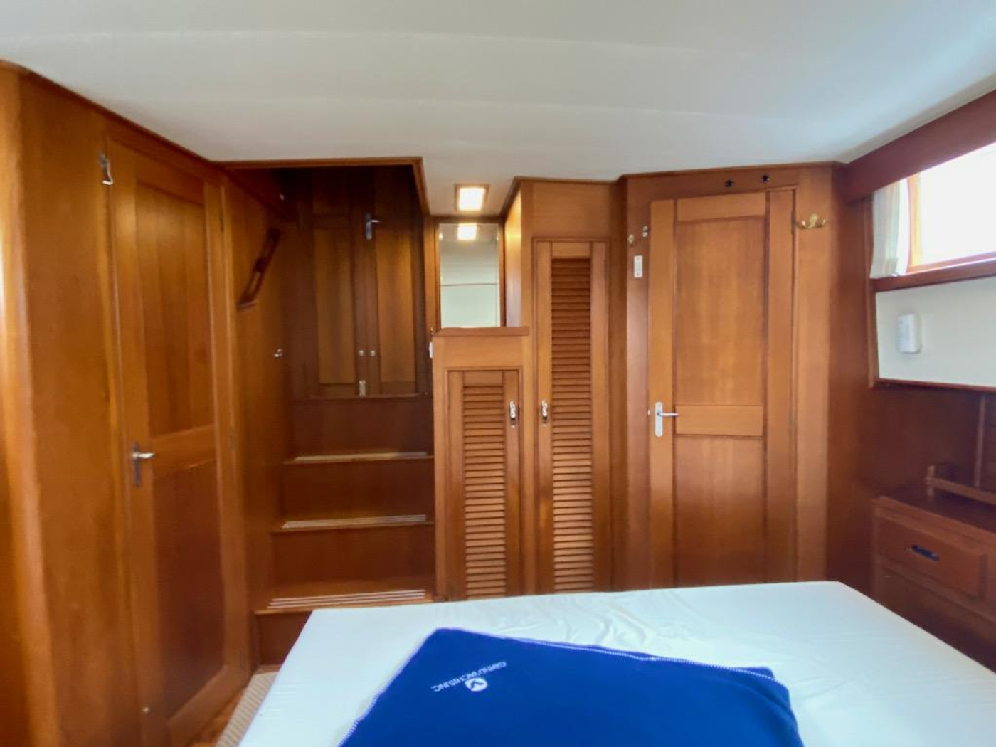 1998 Grand Banks 42 Classic, Aft cabin looking fwd