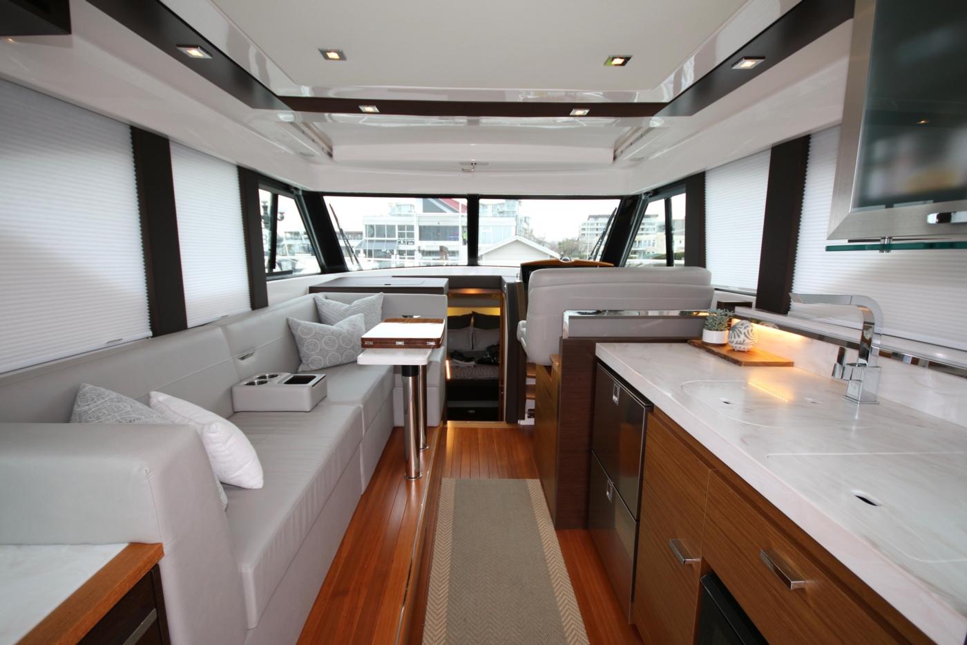 2018 Tiara Yachts 39 Coupe, Forward View