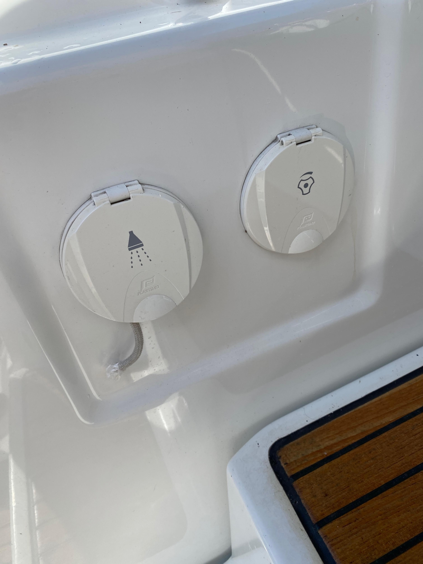 2010 Beneteau Oceanis 40, Cockpit Shower