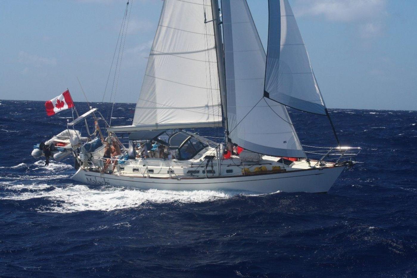2004 Tayana 48,