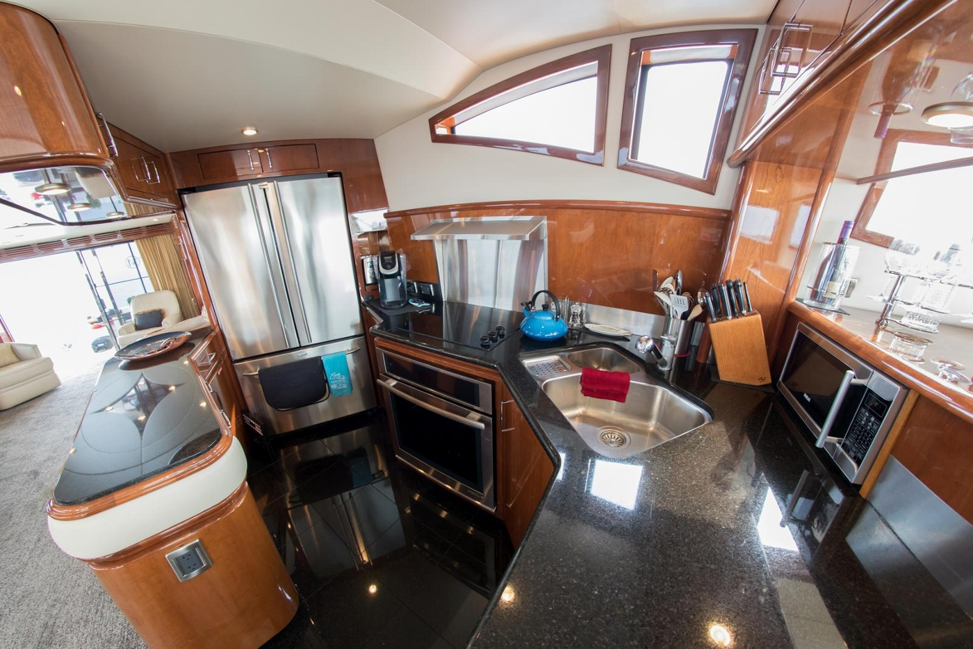 2006 Marquis Motor Yacht, Galley