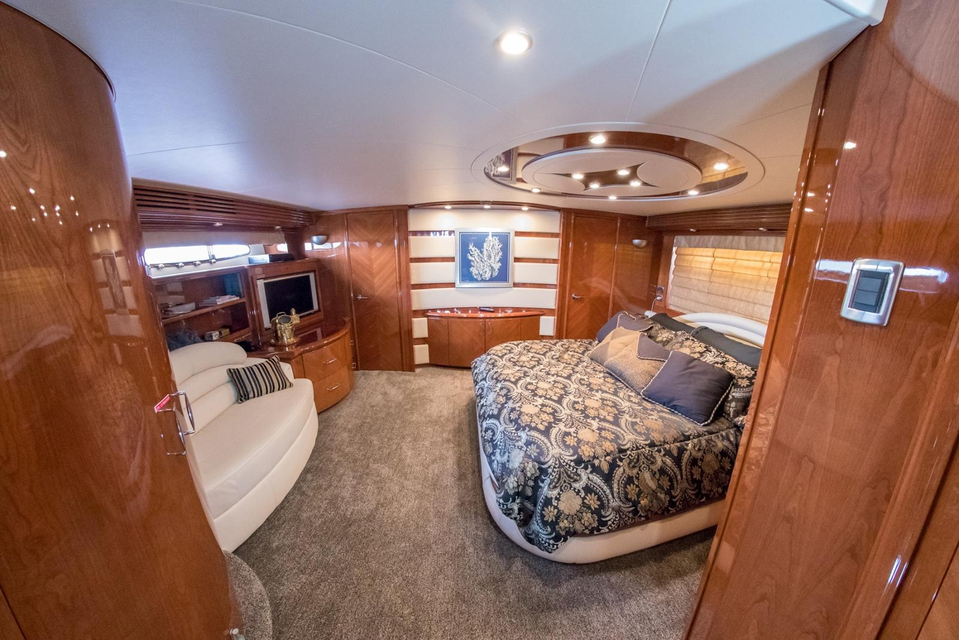2006 Marquis Motor Yacht, Master stateroom