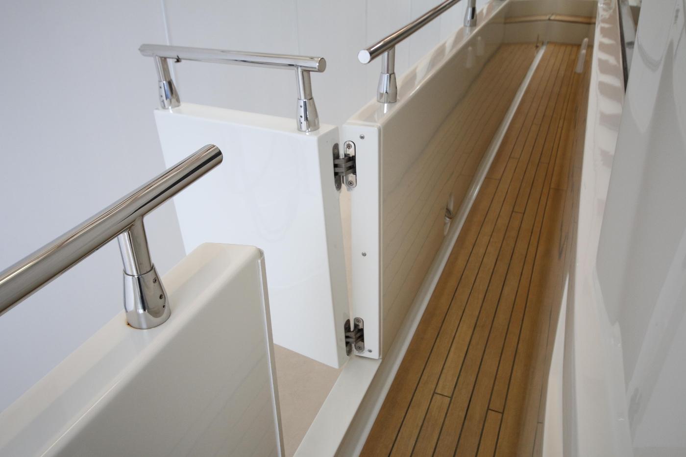 2006 Marquis Motor Yacht, Side deck door
