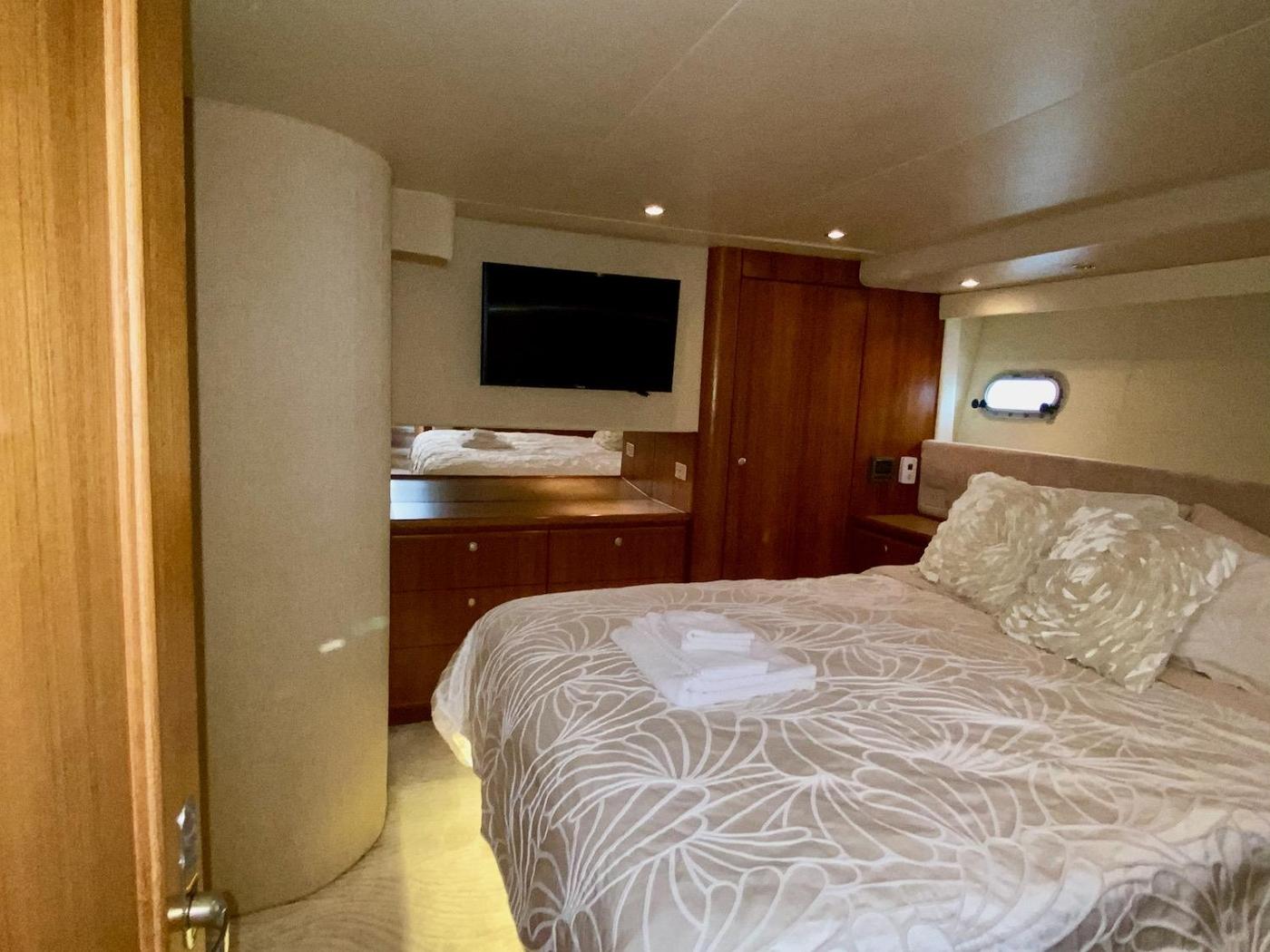 1998 Bayliner 5788 Pilot House Motoryacht,
