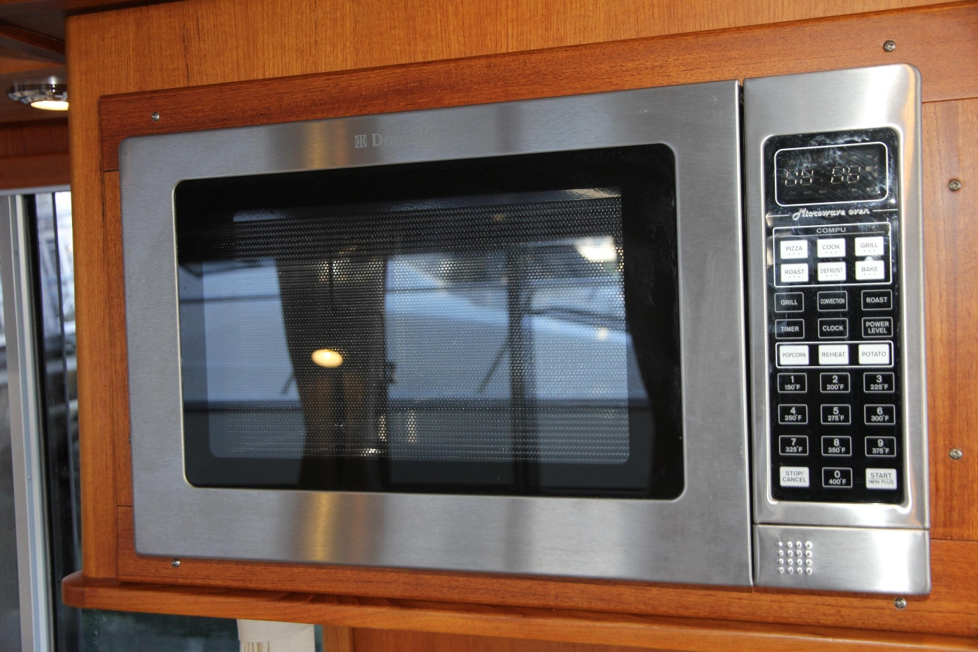 2009 Grand Banks 47 Europa, Microwave Convection Oven